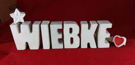 Beton, Steinguss Buchstaben 3D Deko Namen WIEBKE als Geschenk verpackt mit Stern und Herzklammer!