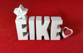 Beton, Steinguss Buchstaben 3D Deko Namen EIKE als Geschenk verpackt mit Stern und Herzklammer!