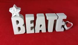 Beton, Steinguss Buchstaben 3D Deko Stern Namen BEATE als Geschenk verpackt!