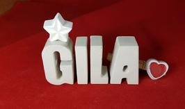 Beton, Steinguss Buchstaben 3D Deko Namen GILA als Geschenk verpackt mit Stern und Herzklammer!