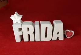 Beton, Steinguss Buchstaben 3D Deko Namen FRIDA als Geschenk verpackt mit Stern Und Herzklammer!