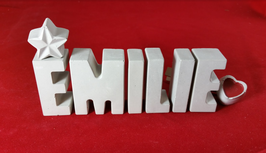Beton, Steinguss Buchstaben 3D Deko Namen EMILIE als Geschenk verpackt mit Stern und Herzklammer!
