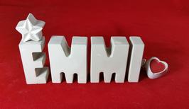 Beton, Steinguss Buchstaben 3D Deko Namen EMMI als Geschenk verpackt mit Stern und Herzklammer!