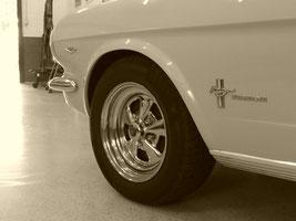 Oldtimer Mustang Radfelge Brassat Ilsede Karosseriebau
