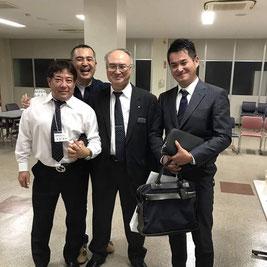 関東リフォームサミット会理事と関西ペイント上席執行役員建築販売本部長中野さんを囲む