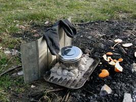 Wasser erhitzen und Socken trocknen