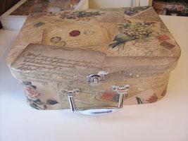 декупад чемоданчик шебби шикКонфетница в стиле шебби шик конфетница своими руками вышивка комната мастерская мебель своими руками