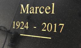 plaque personnalisée, gravure au sablage, lettres or, article funéraire, PFG, ROC ECLERC, ALLIANCE FUNERAIRE