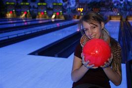 Kegel- und Bowlingcenter eröffnet - Klick!