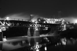 Bernburg bei Nacht mit Blende 8  - Klick!