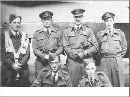 Une partie de l'équipage du LK913