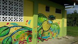 La artista Carolina Marcenaro es la autora del nuevo mural de las áreas recreativas.