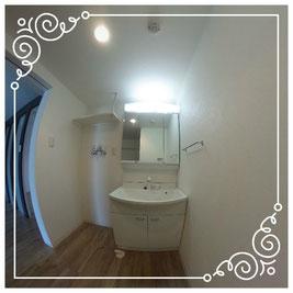 洗面台↓パノラマで内覧体験できます。↓ユニテ201号室-Uinte-201