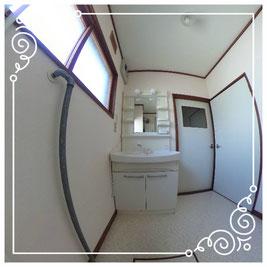 1階洗面所↓パノラマで内覧体験できます。↓