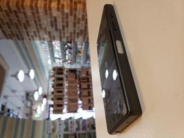 iPhone11PRO画面高さをノギスでチェック