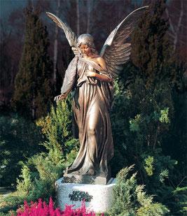 Grabmalschmuck aus Bronze gibt es bei Grabmale Mölders in Duisburg