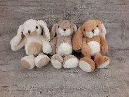 Conejos de poliester en dos medidas. 23cm 17€   17cm 14€