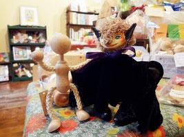 こうもりの天球儀屋さんと自在人形くん