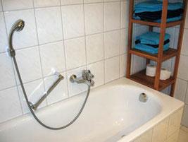 Bad in der 1. Etage: Badewanne