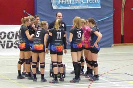 neue Anweisungen für die DSCity Girls im Regionaligaspiel in Paderborn