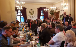 Volles Haus: Tacheles mit Kultusminister Christian Piwarz