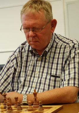 Uwe Nebel wurde Senioren-Vizebezirksmeister im Blitzschach (Foto: A. Obdenbusch)