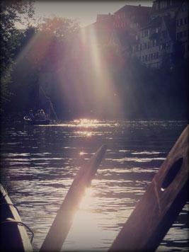 Neckarfront Tübingen an einem schönen Sommertag.