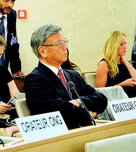 昨年9月22日、スイス・ジュネーブの国連人権理事会で演説に向けて待機する翁長知事