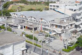 築46年あまりが経過している竹富町役場(資料写真)
