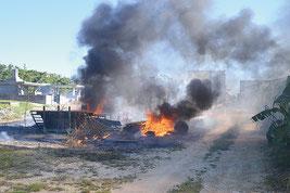 「野焼き」が延焼した火災が前年を上回っている=23日午後、市内宮良