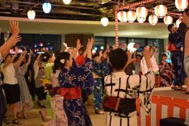 社内懇親会で盆踊り!!
