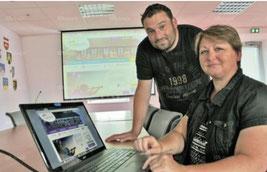 Le 7 e vice-président de la comcom Sud Alsace-Largue, Vincent Gassmann, aux côtés de Marie-Blanche Bory, responsable du pôle communication, présentent le nouveau site web de la collectivité