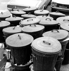 Poubelles en attente lors des grèves de 1968