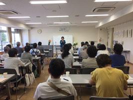 障害のある人にやさしい地域づくりに尽力されている市木智子氏の講演を開催しました