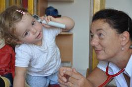 Behandlung Kinderarztpraxis Susanne Kluger