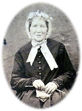 NAVEAU Antoinette, photographiée vers 1868-70. Collection privée de C.H.