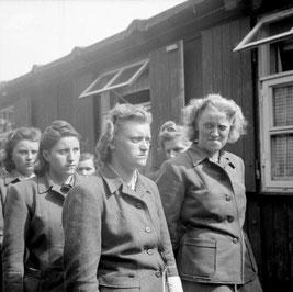 Aufseherinnen im KZ Bergen-Belsen / Bildquelle: Volksbund Deutsche Kriegsgräberfürsorge e. V.