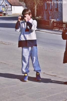 Matthias Schreyer als Kind mit einer günstigen Kamera