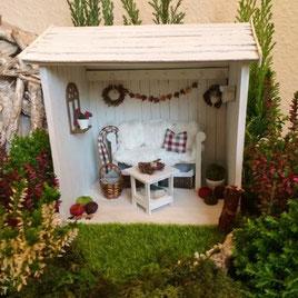 Mini-Gartenhäuschen aus Pappe