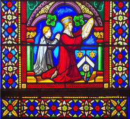 Le marquis de Belbeuf a offert la verrière centrale du sanctuaire