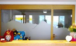 Sichtschutz, Glasdesign, Glasdekor, Glasdekorfolie, Folie, Sandstrahlfolie, Effektfolie