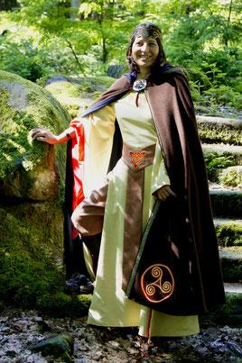 mittelalterliches Druidengewand, Gewandung