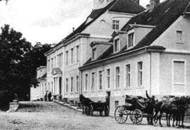 Altes Schloss von Rechts