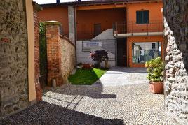 Layout alloggi e spazi comuni esterni _ Il Pozzo, Cantù
