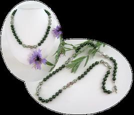 Collier noué perles nacrées vertes