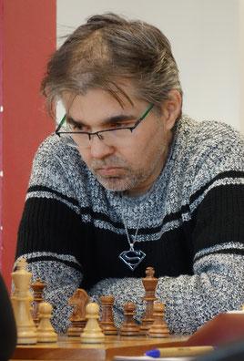 Sascha Kranzusch schaffte an Brett zwei ein Remis (Foto: A. Obdenbusch)