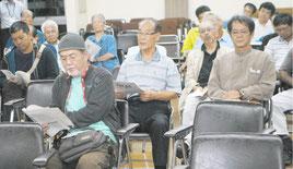 新庁舎建設地域意見交換会が開かれた=11日夜、市役所