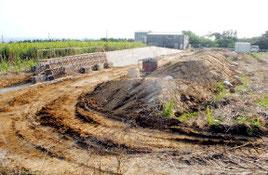 用地造成が進む新火葬場建設地=16日午後