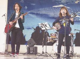 「美ら島フェスティバル」での音楽ライブ=18日午後、東京都豊島区