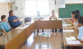 石垣市議会の新庁舎建設に関する調査特別委員会が開かれた=24日午前、市役所
